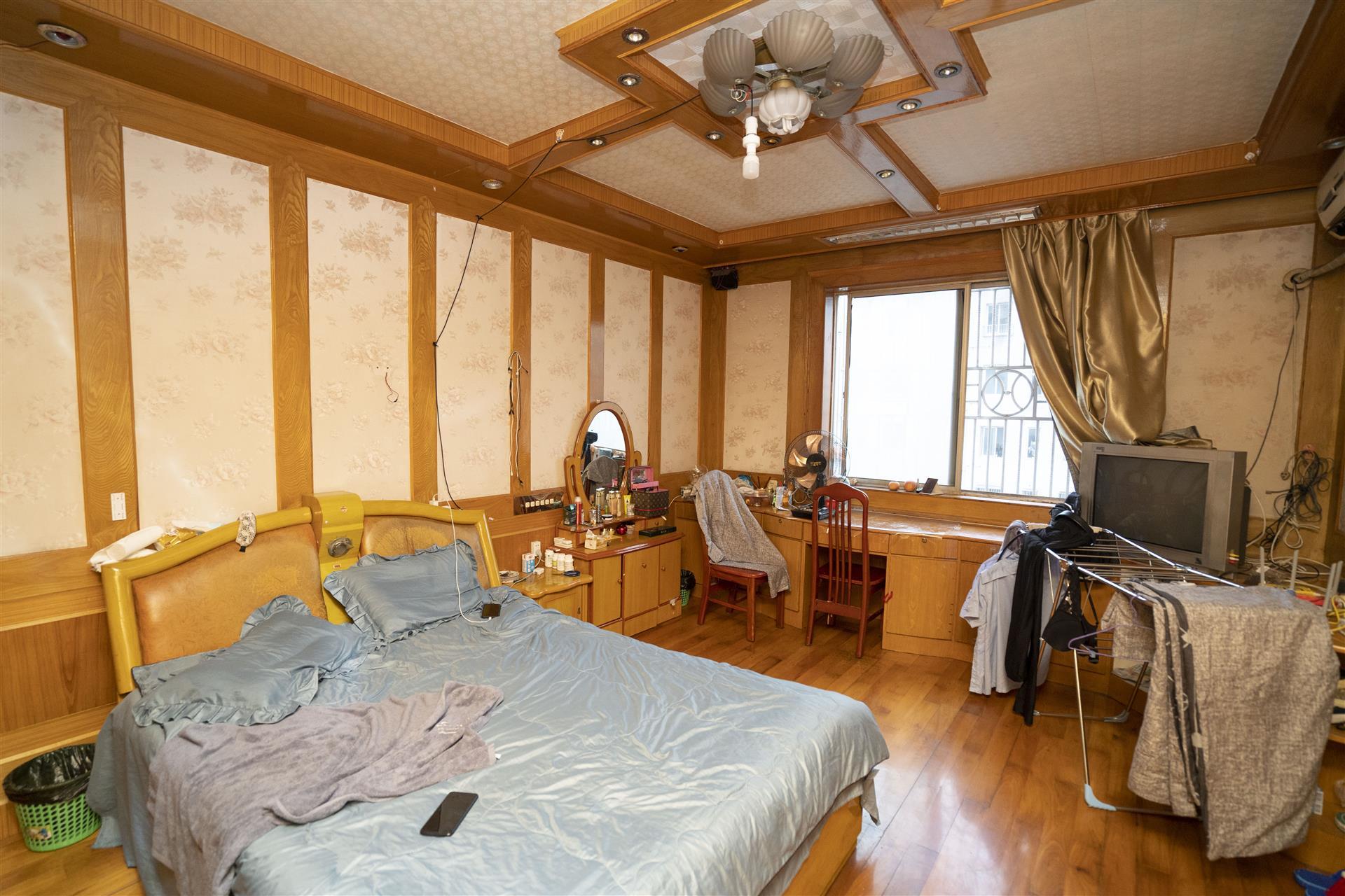 新光小区二手房出售3室1厅